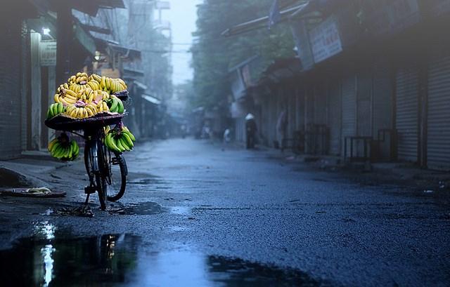 Kết quả hình ảnh cho hình ảnh cho những ngày mưa Hà Nội