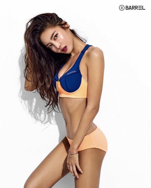 Hai kiều nữ Kpop thu hút với đồ bơi thể thao