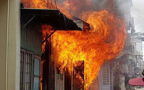 mơ thấy cháy nhà