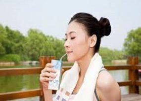 Nằm mơ thấy uống sữa điềm lành hay điềm giữ
