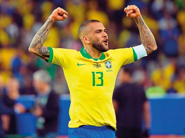 Tin chuyển nhượng 3/8: Dani Alves bất ngờ cập bến Sao Paulo
